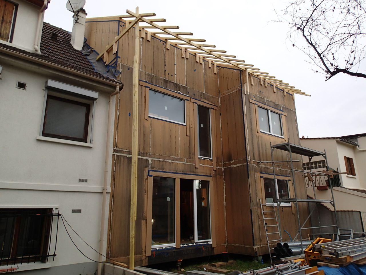 Visite d 39 un chantier d 39 une maison en bois niveau passive for Maison a batir en bois
